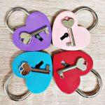Szív alakú kulcsos lakat - választható színben